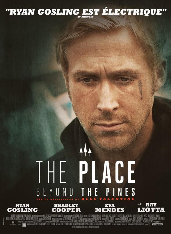 Ryan Gosling alias Luke, se demandant pourquoi il s'est fait faire un si horrible tatouage