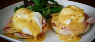 Les œufs bénédicte, indissociables du brunch (et des infarctus)